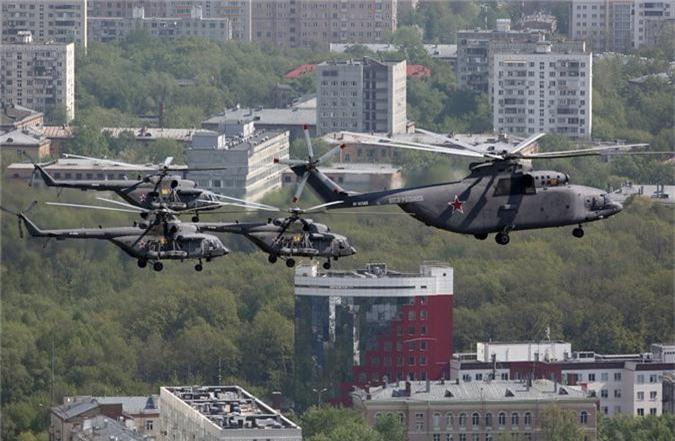 Loat vu khi Nga mang ra duyet binh khien ca chau Au run so-Hinh-9