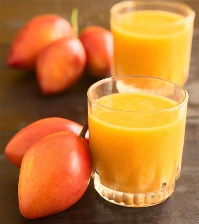 """Ly sinh tố nước ep cà chua thân gỗ rất hấp dẫn, mùi thơm """"ba trong một"""" vô cùng quyến rũ (Ảnh: TL)"""