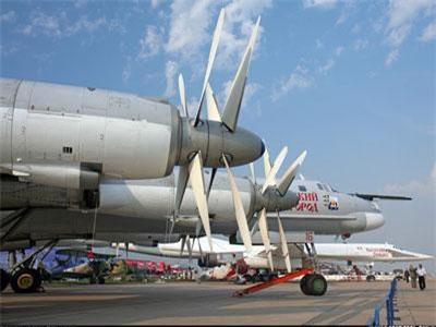"""Nâng cấp một thứ, """"pháo đài bay"""" Tu-95MS mạnh gấp vạn lần!"""
