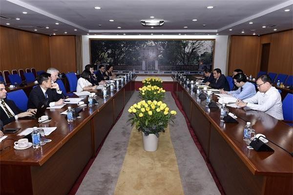 Toàn cảnh buổi làm việc giữa phái đoàn ADB và Bộ Tài chính. (Ảnh: CTTĐT BTC)