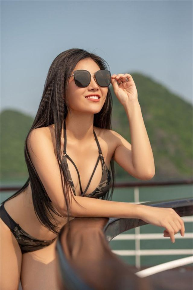 Lan Cave Thanh Hương khoe body nóng bỏng, siêu vòng 3 với bikini - 4