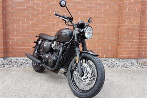 Triumph Bonneville T120 Ace.