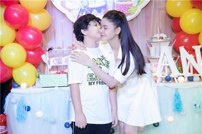 Tuyên bố ở chung nhà vì con nhưng Trương Quỳnh Anh tổ chức tiệc sinh nhật cho con trai thì Tim lại vắng mặt   - Ảnh 3.