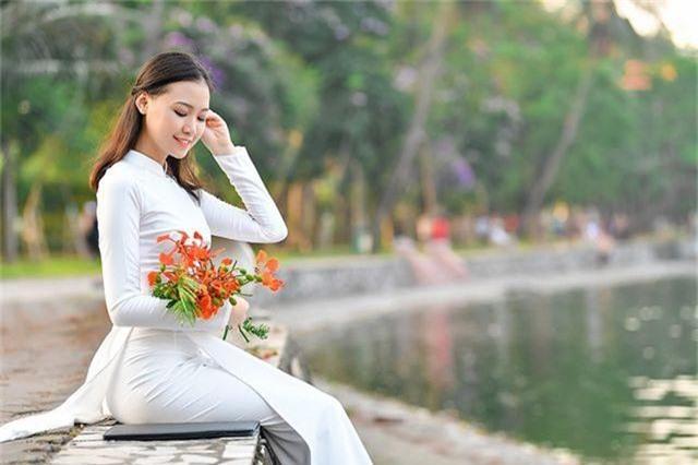 Nữ sinh THPT Trần Phú cao 1m70, dáng chuẩn người mẫu - 12