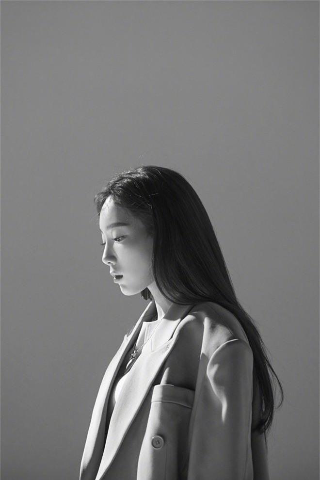 8 trùm bảo kê của các nhóm nhạc Kpop: Cãi tay đôi với antifan, kể tội công ty, người trị được cả thánh khẩu nghiệp - Ảnh 16.