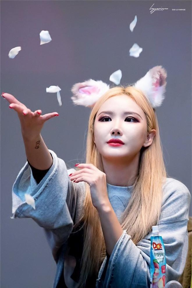 8 trùm bảo kê của các nhóm nhạc Kpop: Cãi tay đôi với antifan, kể tội công ty, người trị được cả thánh khẩu nghiệp - Ảnh 25.