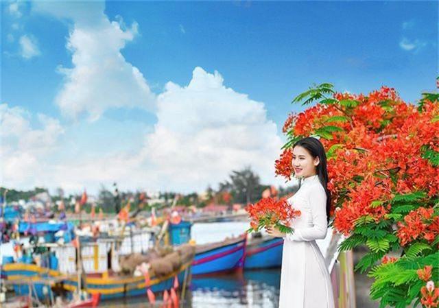 Cô gái xinh đẹp thả hồn trên con đường hoa phượng đỏ Hải Phòng - 16