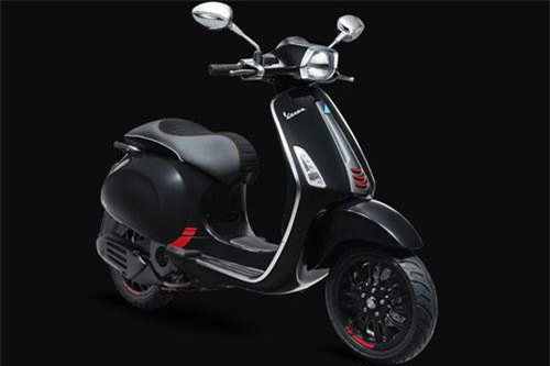 Vespa Sprint Carbon 125 ABS.