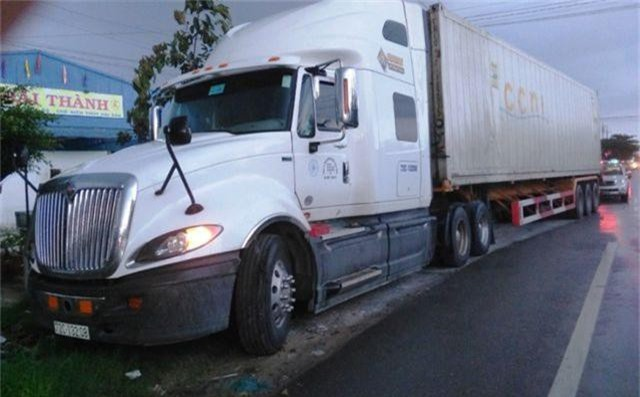 Thượng úy CSGT bị container cán tử vong trên đường đi làm - 2