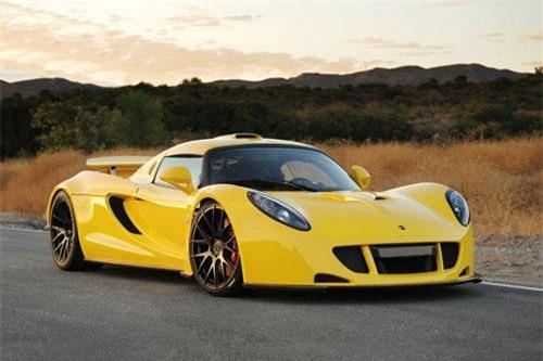 4. Hennessey Venom GT (vận tốc tối đa: 434 km/h).