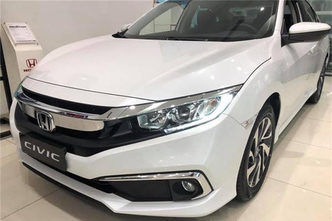 Can canh Honda Civic 1.8E gia 729 trieu tai Ha Noi