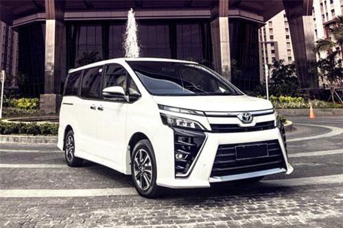 6. Toyota Voxy (doanh số: 40.308 chiếc).