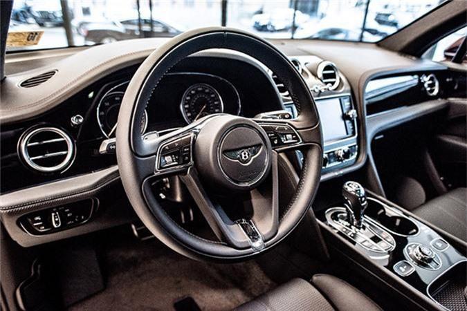 SUV Bentley Bentayga V8 trieu do ve nha dai gia Sai Gon-Hinh-5