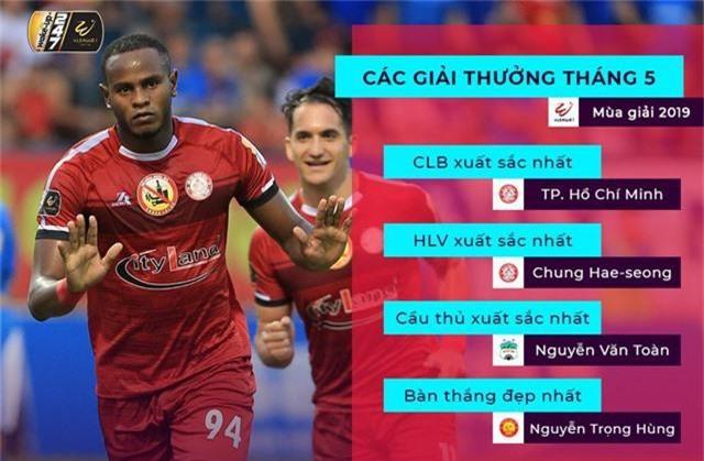 Văn Toàn giành giải cầu thủ xuất sắc nhất tháng 5 - Ảnh 1.