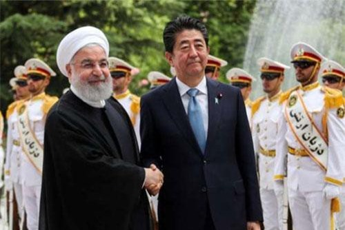 Thủ tướng Nhật Bản Shinzo Abe và Tổng thống Iran Hassan Rouhani. (Nguồn: Reuters)