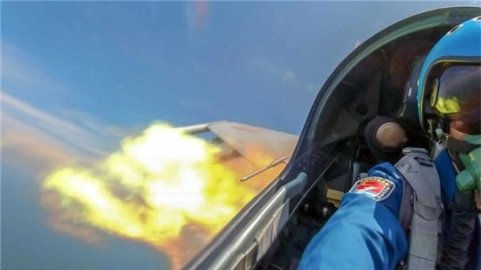 "Cuc hiem canh ""ho mang"" Su-30MK2 Trung Quoc phong ten lua-Hinh-5"