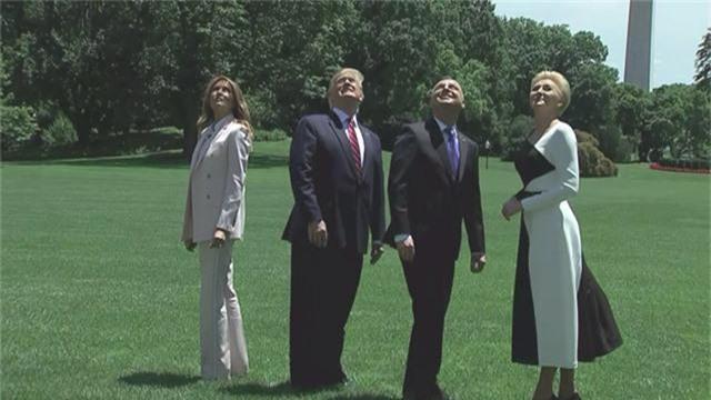 """Tổng thống Trump """"mục sở thị"""" F-35 bay tầm thấp qua Nhà Trắng - 2"""