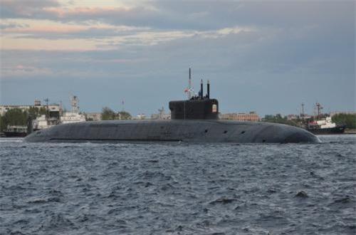Khổng lồ tàu ngầm hạt nhân Borei A đầu tiên của Nga