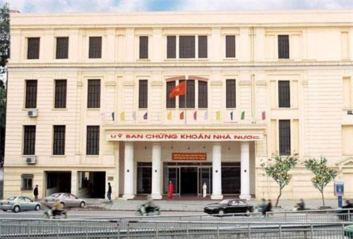 Có nên tách Ủy ban Chứng khoán Nhà nước khỏi Bộ Tài chính?