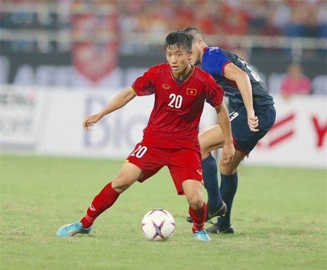 Phan Văn Đức chính thức nghỉ thi đấu hết mùa giải vì chấn thương