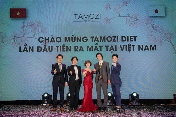 Ban lãnh đạo nhà máy sản xuất tại Nhật Bản đã về Việt Nam trực tiếp tham dự lễ ra mắt TAMOZI DIET