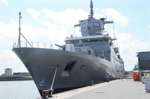 """Thất vọng tràn trề """"công lực"""" tàu chiến 7.200 tấn của Đức"""