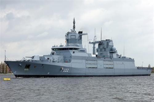 Dẫu vậy, dù đơn giá tới hơn 700 triệu USD, nhưng chiến hạm khổng lồ này lại sử dụng hệ thống vũ khí kém cỏi. Nguồn ảnh: TKMS