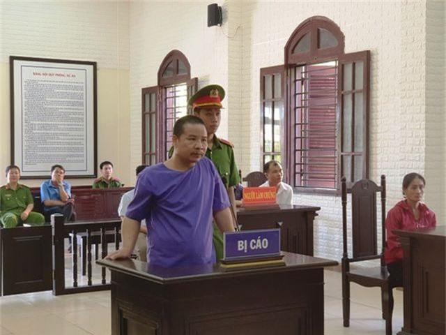 Trần Đức Toàn tại phiên tòa.