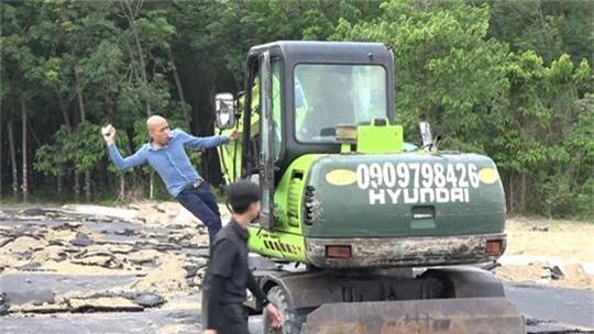 Khởi tố, tạm giam 2 nhân viên của Công ty địa ốc Alibaba - Ảnh 1.