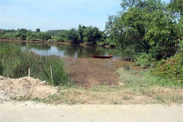 Những bến sông đa năng bị các trang trại chăn nuôi bức tử - 1