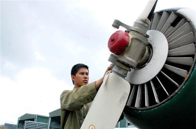 Kham pha cap may bay huan luyen moi phi cong KQND Viet Nam-Hinh-5