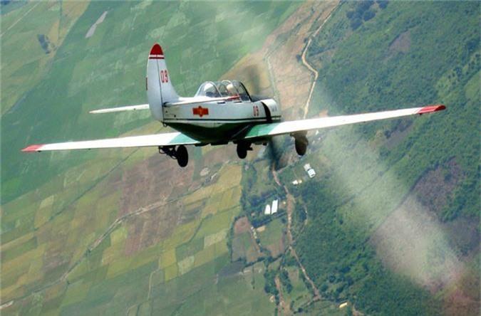 Kham pha cap may bay huan luyen moi phi cong KQND Viet Nam-Hinh-7