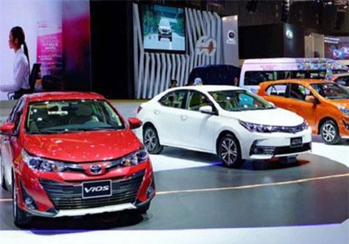 """Ôtô đua giảm giá, thị trường ôtô tháng 5 tăng trưởng """"sốc"""""""