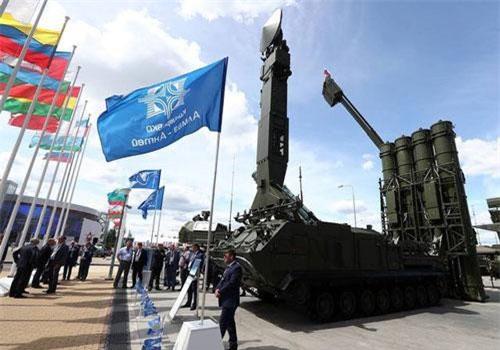 """Nga """"khoe"""" dàn khí tài uy lực, độc đáo tại triển lãm quân sự"""