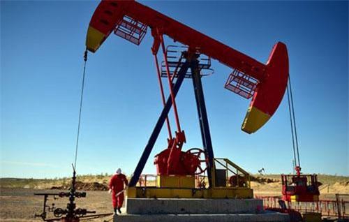 Giá xăng, dầu (26/6): Thị trường nóng lên