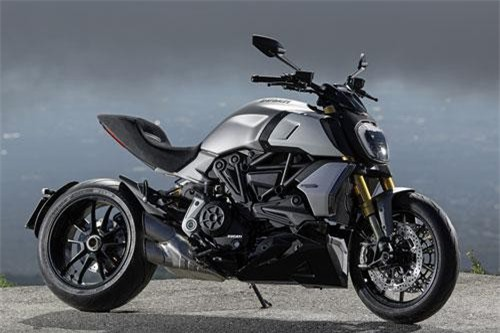 13. Ducati Diavel 1260 S Trilling Black & Dark Stealth 2019.