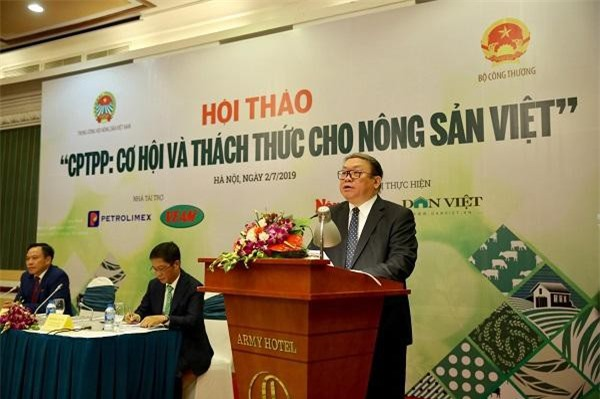 Ông Thào Xuân Sùng phát biểu tại hội thảo. (Ảnh: Dân Việt)