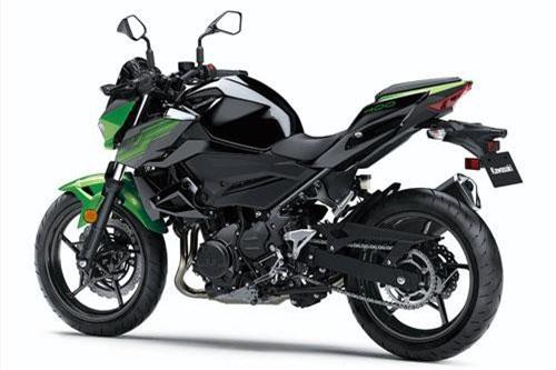 6. Kawasaki Z400 2019 (giá: 5.399 euro).