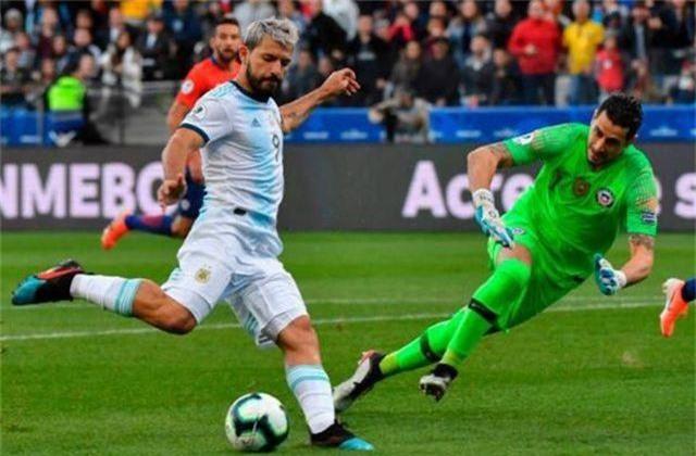 Messi nhận thẻ đỏ, Argentina nhọc nhằn giành hạng ba Copa America - 2