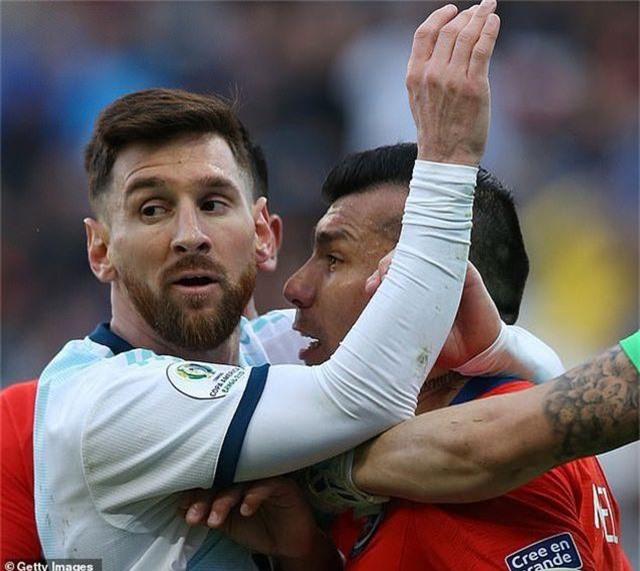 Messi nhận thẻ đỏ, Argentina nhọc nhằn giành hạng ba Copa America - 7