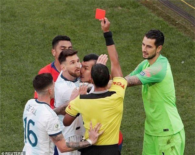 Messi nhận thẻ đỏ, Argentina nhọc nhằn giành hạng ba Copa America - 8