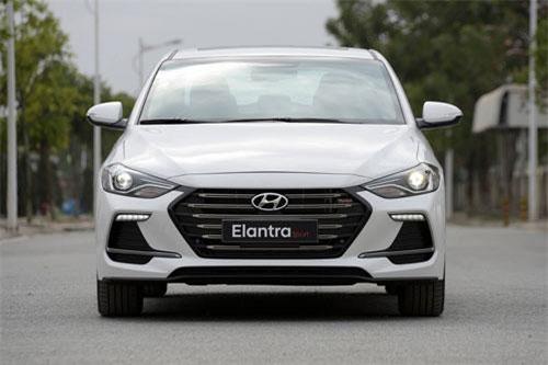 Hyundai Elantra Sport 2018.