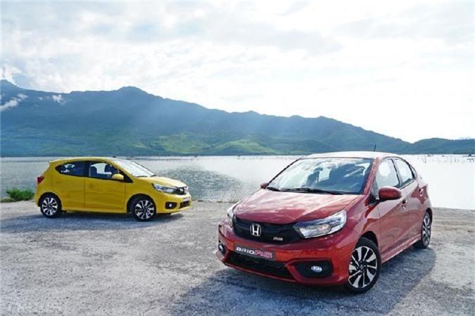 Honda Brio có giá bán lần lượt là 418, 448 và 452 triệu đồng và được nhập trực tiếp từ Indonesia.