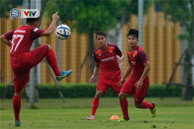 U23 Việt Nam đầy đủ quân số, HLV Park Hang Seo tìm kiếm nhân tố mới - Ảnh 10.