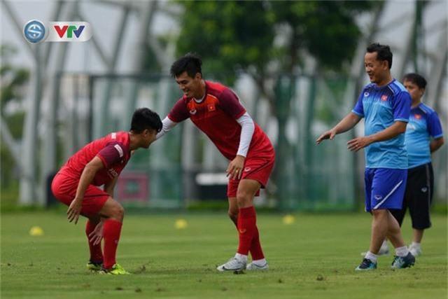 U23 Việt Nam đầy đủ quân số, HLV Park Hang Seo tìm kiếm nhân tố mới - Ảnh 1.