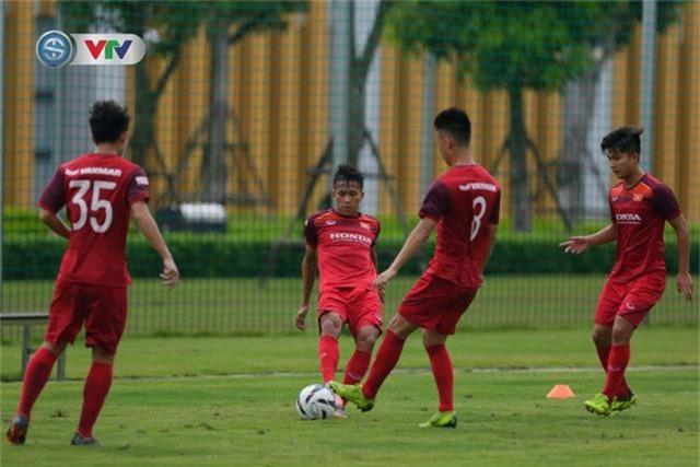 U23 Việt Nam đầy đủ quân số, HLV Park Hang Seo tìm kiếm nhân tố mới - Ảnh 3.