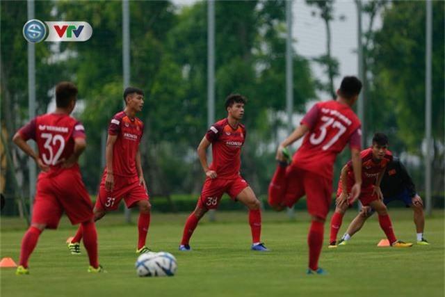 U23 Việt Nam đầy đủ quân số, HLV Park Hang Seo tìm kiếm nhân tố mới - Ảnh 8.