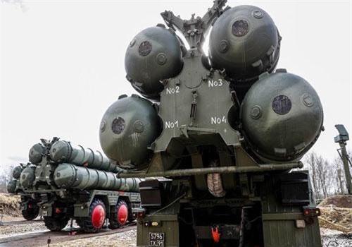 Hệ thống phòng không S-400. Ảnh: TASS.