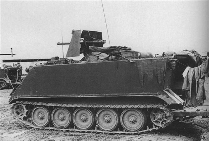 So Quan Giai phong, linh My lap voi thu nay len M113-Hinh-4