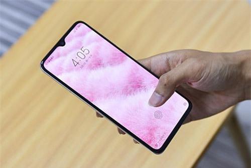 Cảm biến vân tay quang học được tích hợp nơi màn hình.